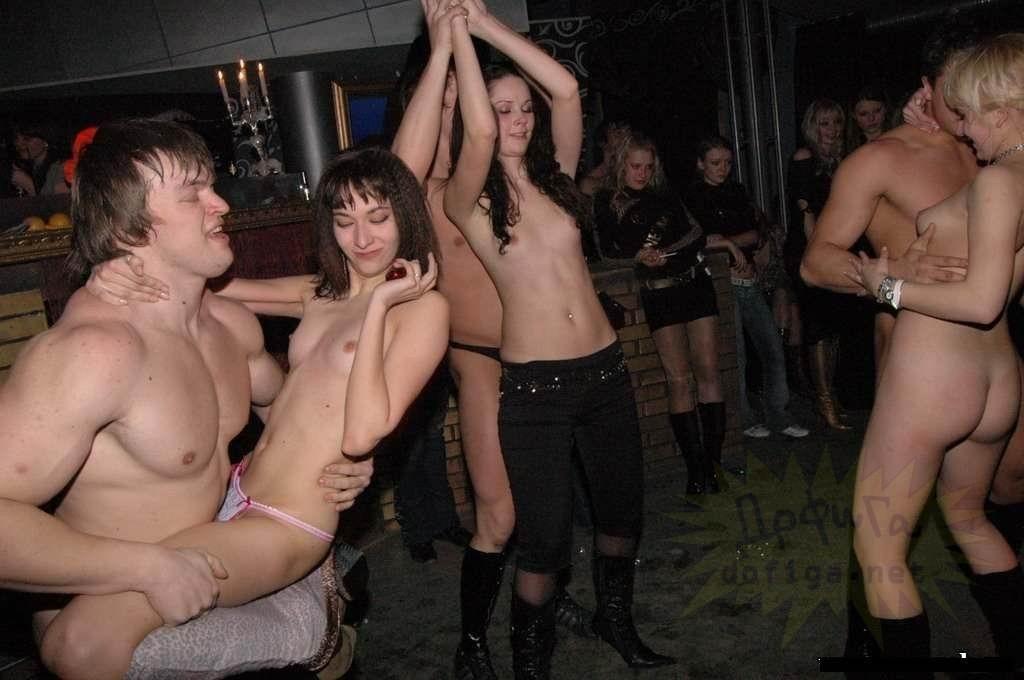 проснулась, русский девушки скрыт видео ночной клуб блудливые
