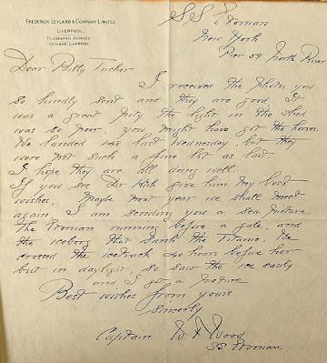 Surat yang menyertai foto dari gambar gunung es