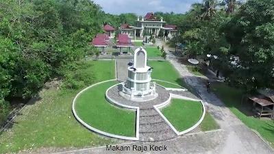 Wisata Sejarah ke Makam Raja Kecik, Siak Sri Indrapura