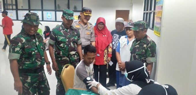 Ratusan Warga dan Pedagang Pasar Cisalak Serbu Pengobatan Gratis Kodam Jaya