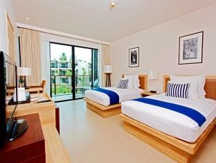 Holiday Inn Mai Khao Beach Deluxe Room