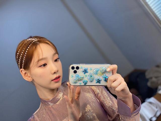 SNSD Taeyeon Selfie