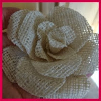 Rosa de arpillera