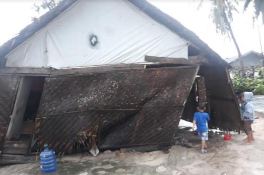 Gegara Persoalan Administrasi Korban Bencana Puting Beliung Di Kalmas Terabaikan Koran Pangkep