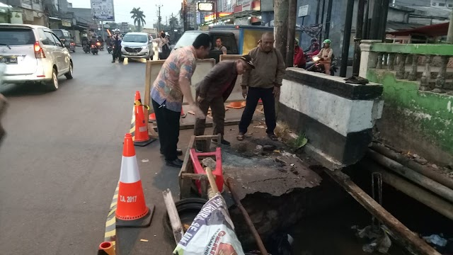 Walikota Ambil Tindakan Cepat Amblasnya Jembatan Mampang