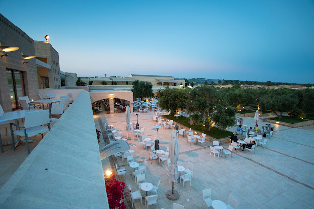 Ristorante-Zona piscine-Vivosa Apulia resort
