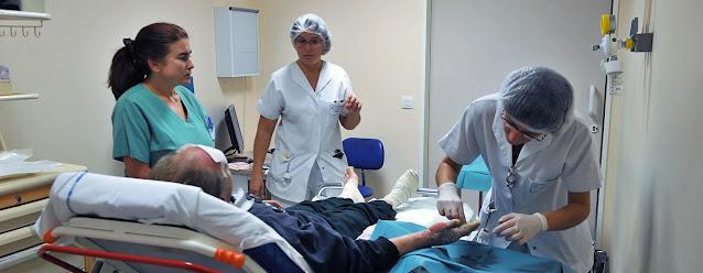 Largas jornadas laborales aumentan el riesgo de morir de ataques al corazón o de derrames cerebrales. OIT/MArcel Crozet