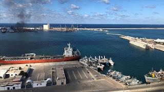 بعد ادعائات قنوات فضائية اصابة سفينة تركية في ليبيا..مديرية الموانئ الليبية تنفي وجود سفن تركية