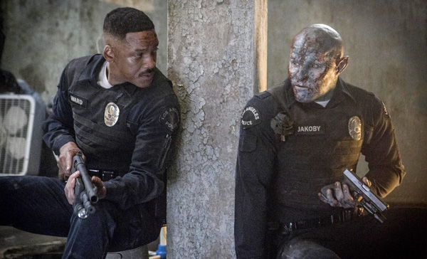 It's all in the day's work: Daryl Ward (Will Smith) and Nick Jakoby (Joel Edgerton) in BRIGHT (2017)