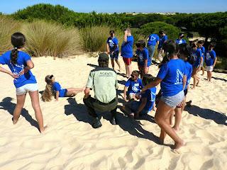 Trabajo solidario de los Agentes de Medio Ambiente en Doñana