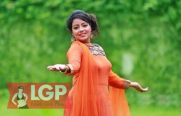 bangladeshimodal-mori-nak-photos