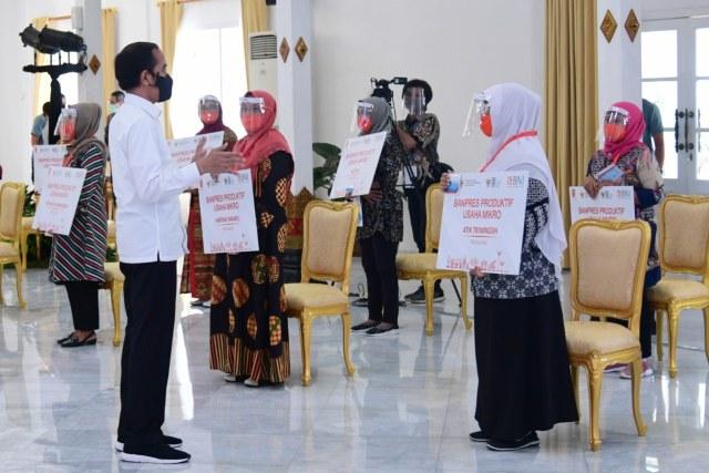 Setelah Subsidi Gaji, Jokowi Tebar BLT UMKM Rp 2,4 Juta: Ini Syarat dan Caranya