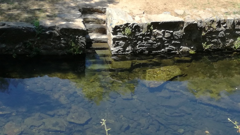 Acesso á água por escadas