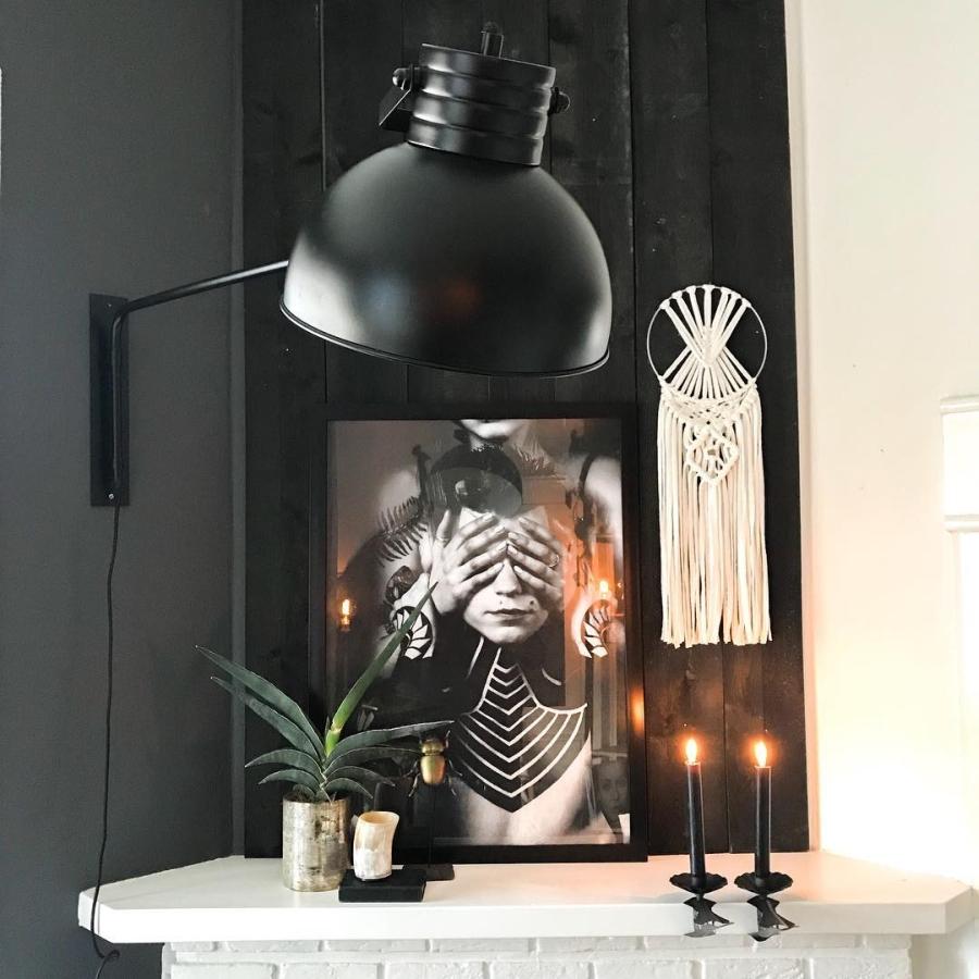 Klimatyczne mieszkanie z industrialnymi elementami, wystrój wnętrz, wnętrza, urządzanie domu, dekoracje wnętrz, aranżacja wnętrz, inspiracje wnętrz,interior design , dom i wnętrze, aranżacja mieszkania, modne wnętrza, styl skandynawski, scandinavian style, boho, styl industrialny, industrial style, styl rustykalny, retro, urban jungle, plakat boho