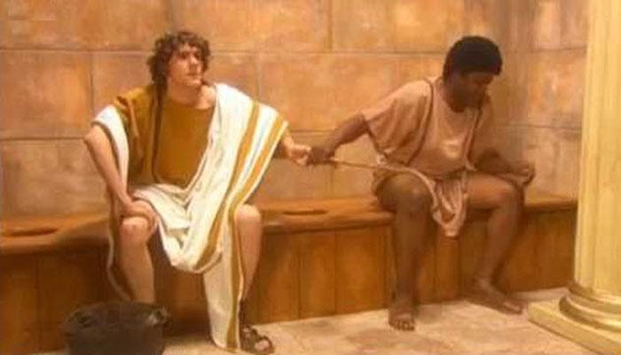 Masyarakat Romawi Menggunakan Spons yang Sama Seusai Buang Air Besar