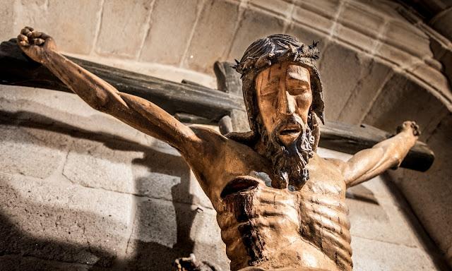 Iglesia de Santa María la Mayor :: Canon EOS5D MkIII | ISO3200 | Canon 17-40@32mm | f/4.0 | 1/20s