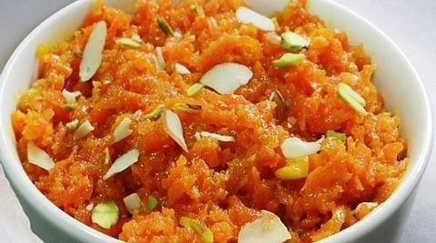 गाजर डिलाइट (Gajar delight recipe in Hindi)