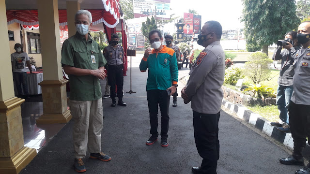 Gubernur Jateng Mengapresiasi Pelaksanaan Vaksinasi Merdeka Polres Purbalingga Dengan Membagi Berbagai Tempat