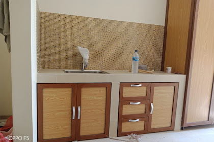 Pemasangan Kitchen set Aluminium motif Kayu BTC Bekasi
