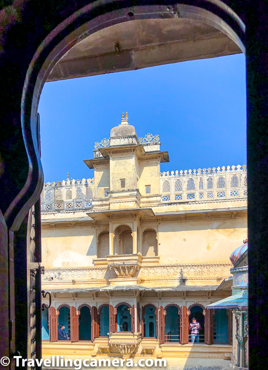 This was probably first time when Travellingcamera clicked more than 50 doors, windows & ceilings at one place. That also tells about the scale of Udaipur City Palace in Rajasthan. And more importantly all interesting elements in this beautiful heritage building of Mewar dynasty.