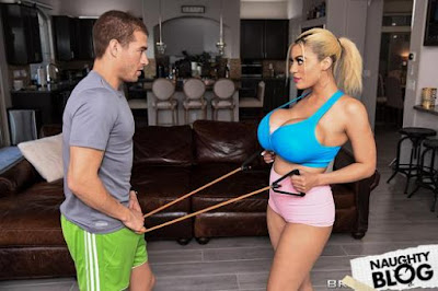 Brazzers Exxtra – Amber Alena: Cooldown Dicking (2020/FULLHD)