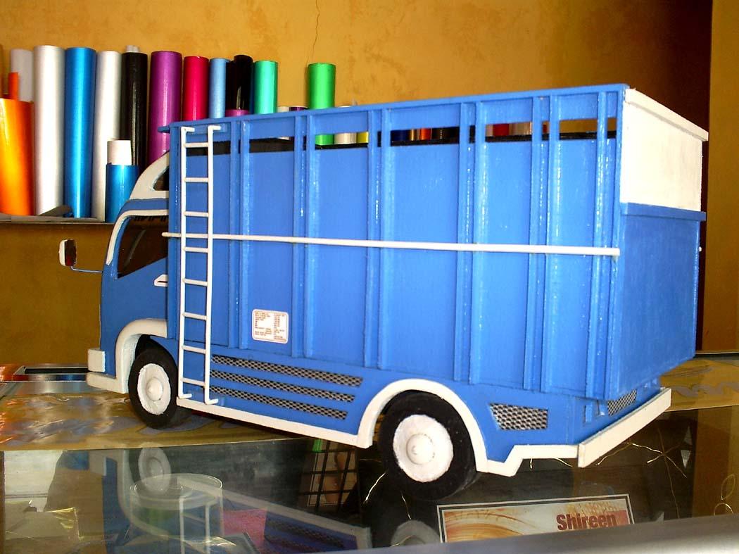 MINIATUR MOBIL KAYU KEREN: Miniatur Truck Mitsubishi Biru ...