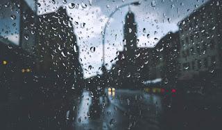 10 Puisi Hujan di Pagi Hari Paling Menyentuh Hati