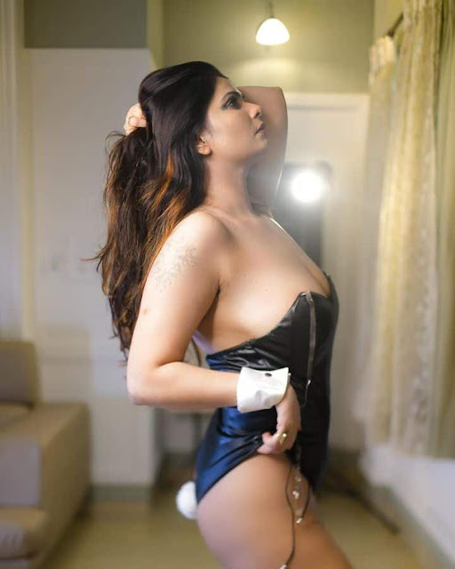 Aabha Paul Sexy Deep Cleavage Pictures