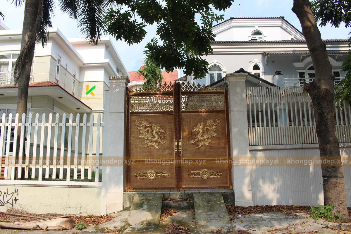 Cổng nhôm đúc mang phong cách của phương Đông