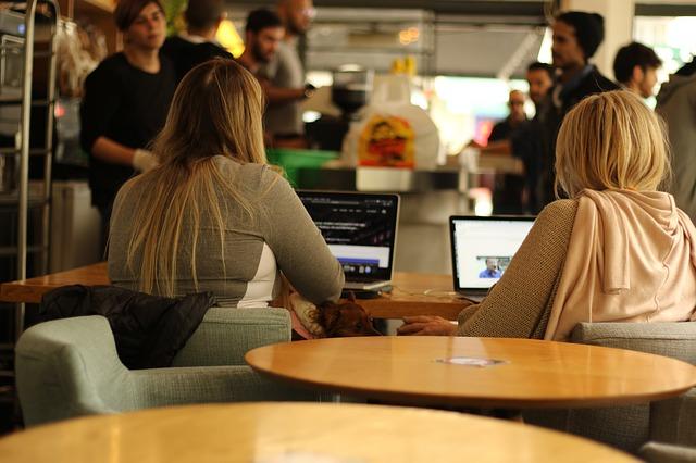 Tugas (Desk Job) Admin Marketing