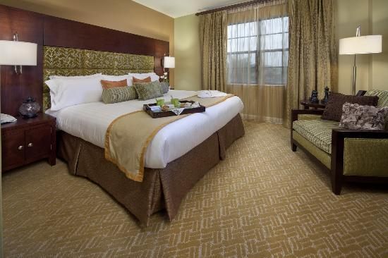 Book the Holiday Inn Club Vacations Sunset Cove Resort. Marco's relaxing Florida vacation offerings include miles of beautiful beaches famous for the bounty of tropical shells.