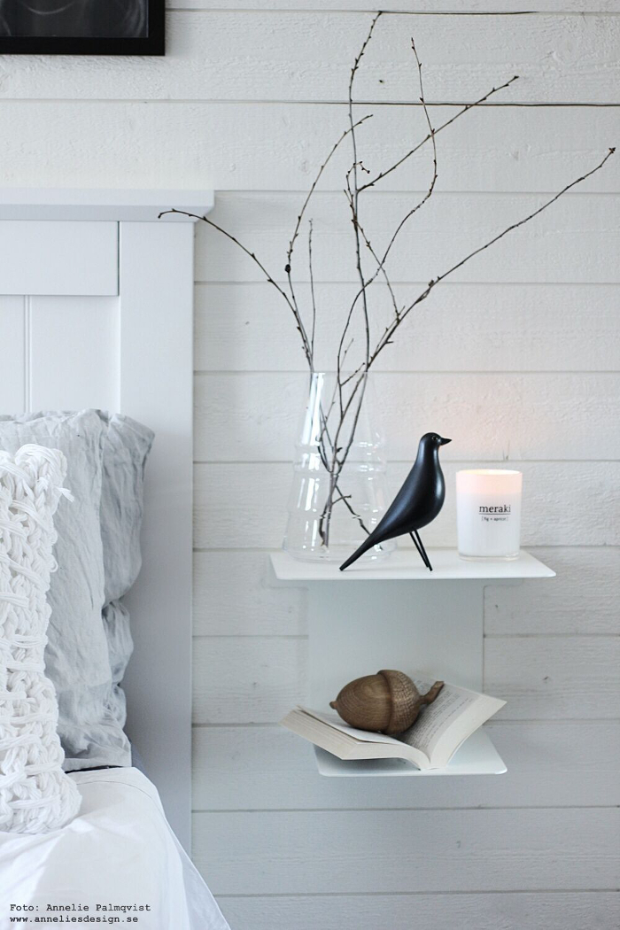annelies design, sängbord, svart fågel, fågel, fåglar vako, sovrum, ekollon, meraki, webbutik, nät utik