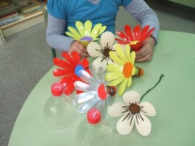 Maestra neila reciclaje con botellas de pl stico - Manualidades con botellas de plastico faciles ...