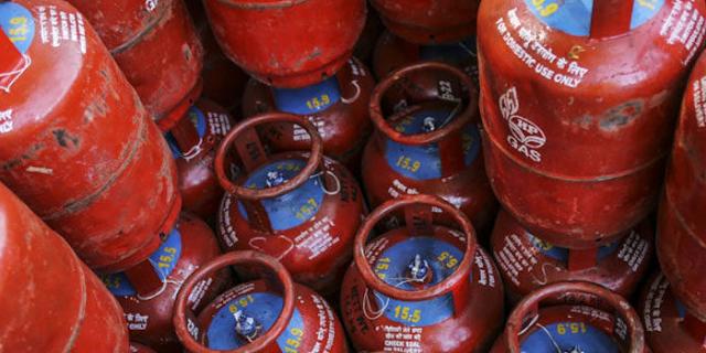 रसोई गैस सिलेंडर 55.50 रुपए महंगा