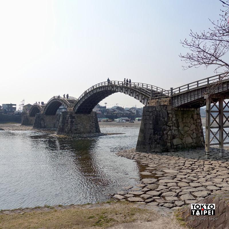 【錦帶橋】日夜景都絕美 300年前打造超高工藝5段式木製拱橋