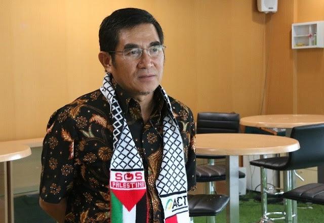 TNI Turunkan Baliho Habib Rizieq, Eks Ketua MK: Negara seperti Sudah Sangat Genting