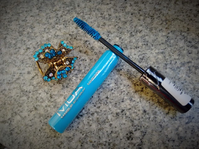 blue mascara MUA review