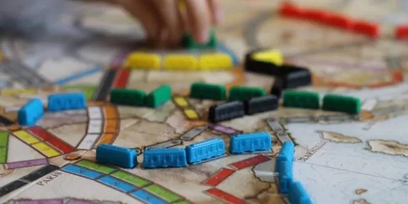 أفضل المواقع للعب ألعاب الطاولة عبر الإنترنت مع ميزة الأصدقاء