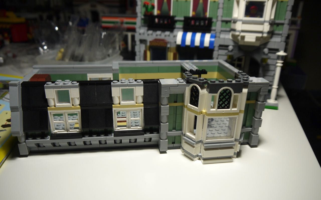 It S Not Lego Lepin 15008 Green Grocer Modular Building