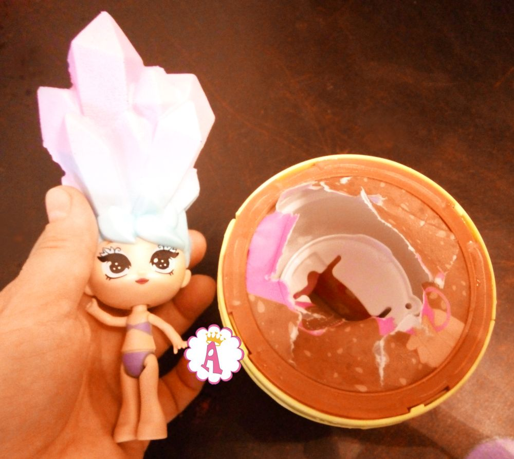 Как выглядит кукла Блум из цветочного горшка (распаковка)