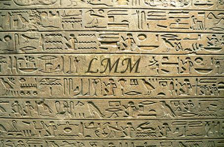 """Cette image montre des hyeroglyphes egyptiens graves dans une roche beige. On distingue plusieurs series d'ideogrammes, non comprehensibles pour les non inities. En effet, l'écriture hiéroglyphique égyptienne est figurative : les caractères qui la composent représentent des objets divers, naturels ou produits par l'homme, tels que des plantes, des figures de dieux, d'humains et d'animaux. Cette image assez simple accompagne le poeme du Marginal Magnifique """"Hieroglyphes"""" qui insiste une fois encore sur le caractere rebelle, independant et marginal du Marginal Magnifique, qui se differencie si bien des autres hommes par sa noblesse et sa façon de penser superieure qu'il est aussi incomprehensible pour que le sont des hyeroglyphes pour le commun des mortels. Encore un grand poeme original du Marginal Magnifique !!!"""