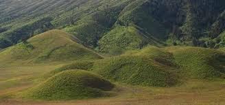 Saya rasa hampir semua pembaca blog ini mengetahui gunung yang satu ini Keindahan Alam yang Dapat Dinikmati di Gunung Bromo
