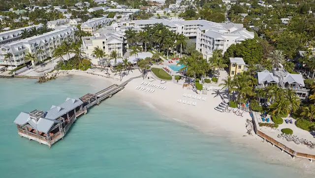 Enjoy exquisite views and well-appointed accommodations at The Reach Key West Waldorf Astoria, the luxury hotel near Old Town and Duval Street.
