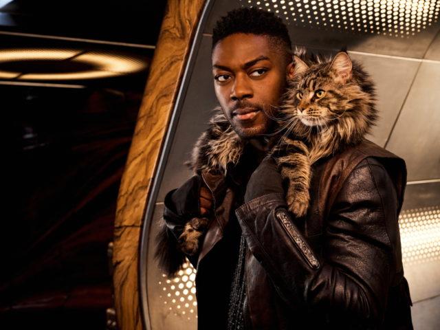 David Ajala e il gatto di Star Trek: Discovery