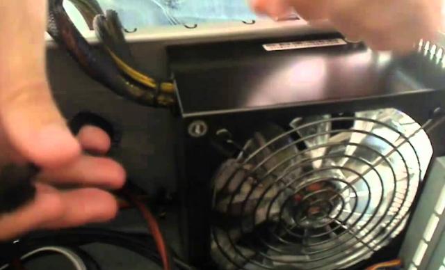 ssd membutuhkan arus listrik yang stabil agar berfungsi normal