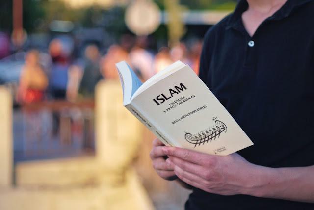 Leyendo Islam, creencias y prácticas básicas