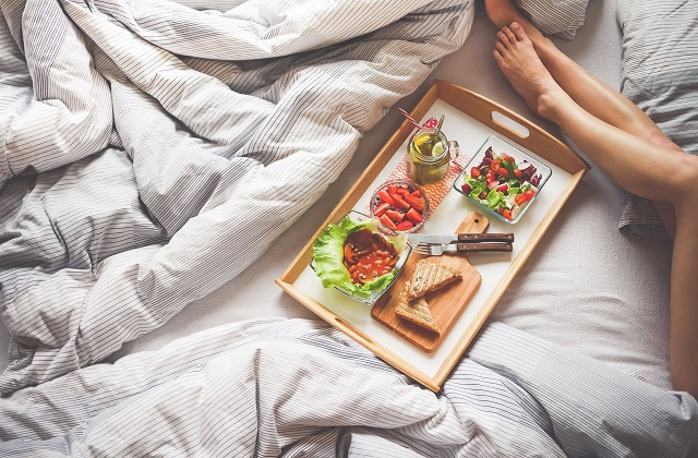 vegan food in bed