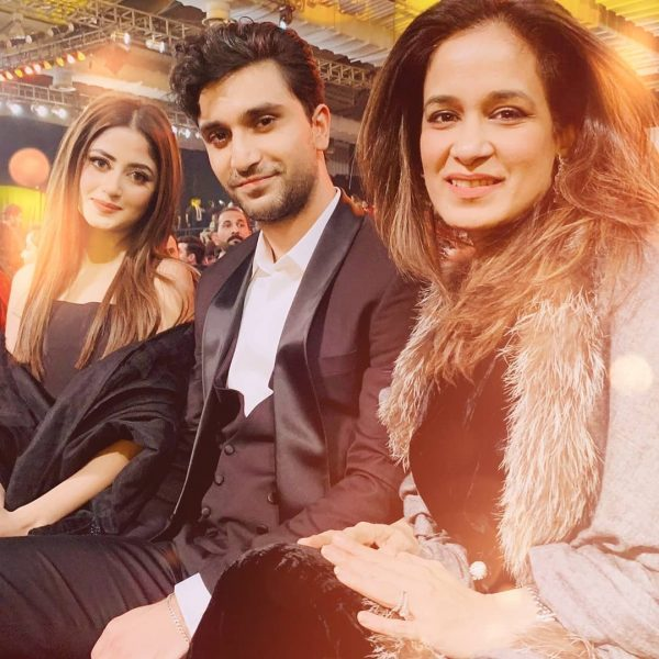 Beautiful Photos of Sajal Aly and Ahad Raza Mir from Hum Style Awards 2020