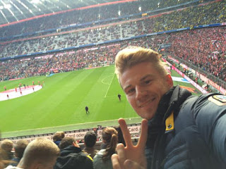 Fórmula 1 - Foto de Nico Hilkenberg no estádio do Bayern de Munique.