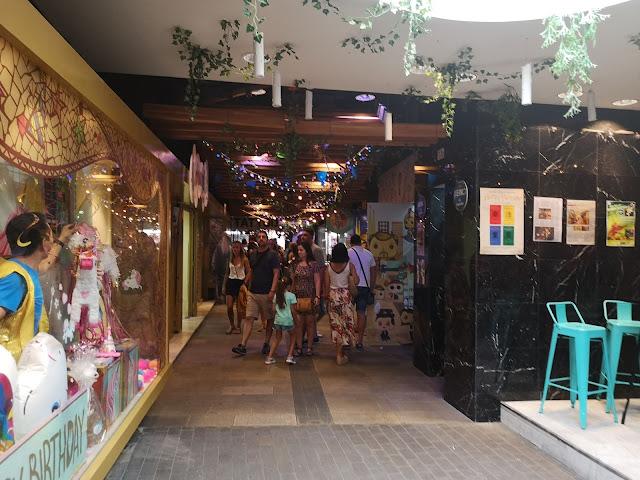 Pasillos de las galerias Maldà